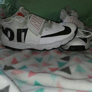 Boys Nike Just Do It sneakers
